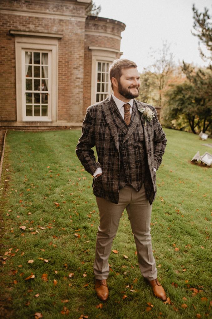 groom de courceys manor